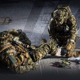 10000998-combat-medic-hero-42-strong_en-06a6a2029fa9e5f7